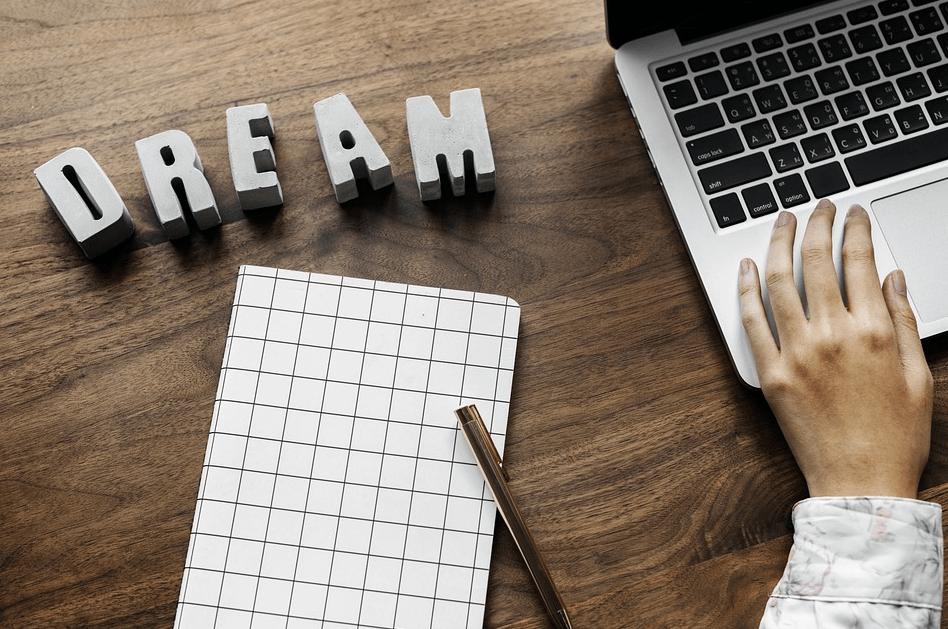 Virtuelle Assistenz – was ist das und was sind die Vorteile einer Zusammenarbeit?